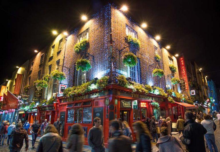 Temple Street bei Nacht Mietwagen Dublin Preisvergleich