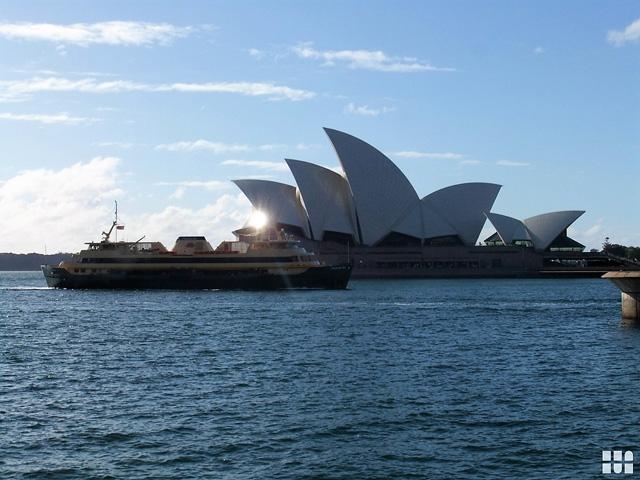 Opernhaus in Sydney mit Wasser, Mietwagen-Preisvergleich