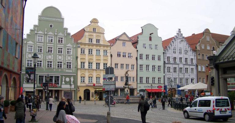 Moritzplatz mit Brunnen in Augsburg
