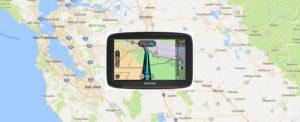 Navigationsgerät im Mietwagen