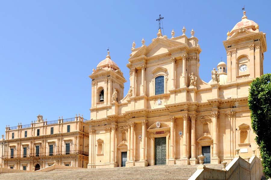 Antikes Gebaeude in Palermo