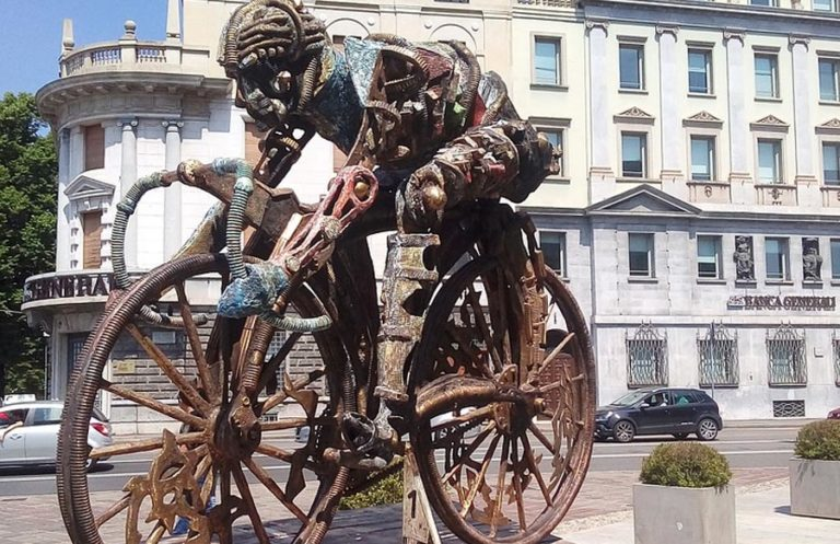 Bergamo Skulptur Radfahrer