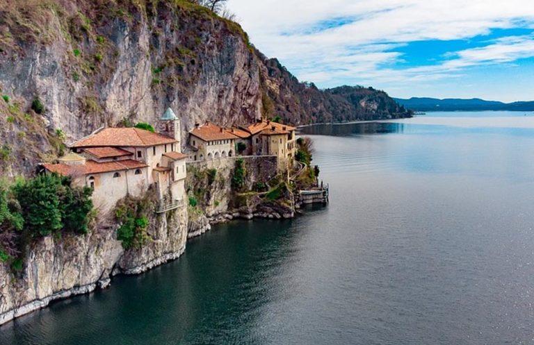 Santa Caterina del Sasso Lagio Maggiore Italien