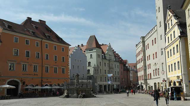 Regensburg Innenstadt mit Brunnen