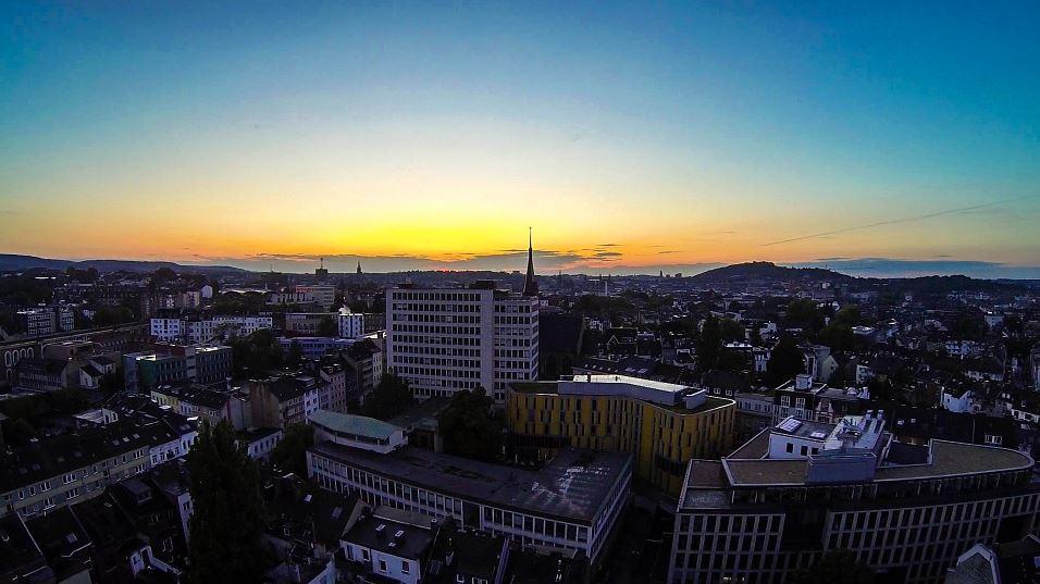 Blick auf Aachen in Abendsonne