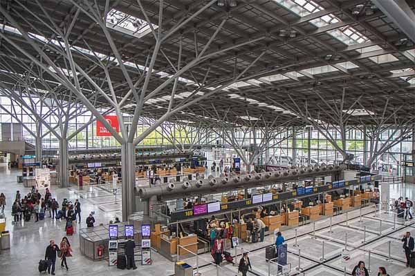 Flughafen Stuttgart Terminal Mietwagen