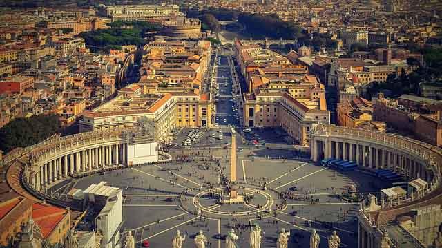 Petersplatz Vatikan Rom Mietwagen