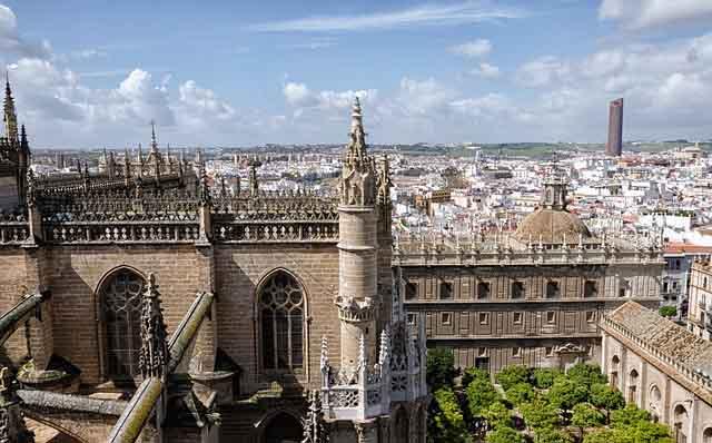 Blick auf Sevilla mit Giralda