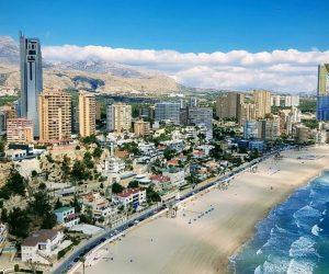 Alicante Skyline am Meer