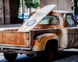 verrosteter Pick up Truck Mietwagen Preisvergleich FAQS