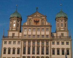 Das Ausgburger Rathaus: Mietwagen Augsburg Preisvergleich