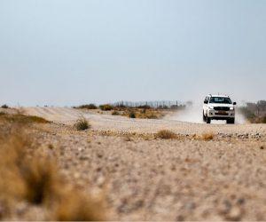 Namibia Allrad Auto auf Sandpiste