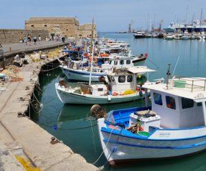 Fischerboote im Hafen auf Kreta
